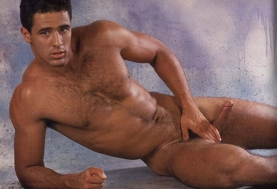 голый гей ronnie viera фото